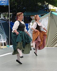 dunsmuirdancers02_small