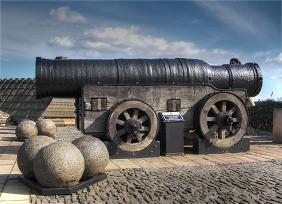 Mons_Meg_Medieval_Bombard_Edinburgh_Scotland._Pic_01